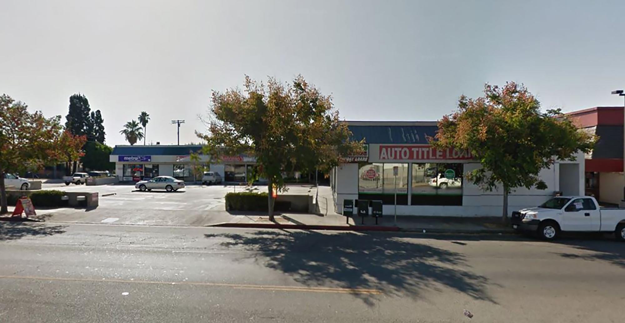 13630 Van Nuys Boulevard Car Title Loans In Los Angles, CA
